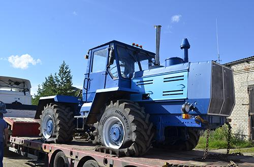 продаём трактора т150 кировец запчасти для тракторов